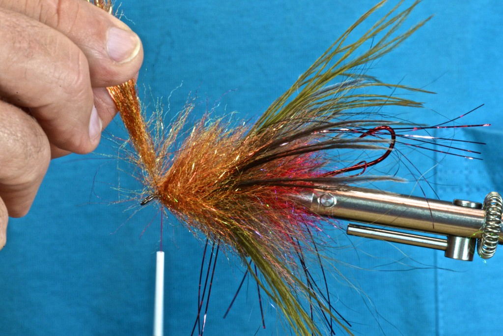 Wind on another neutral color minnow head brush.